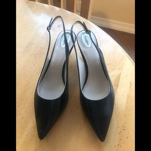 Trotters sling back textured patent black shoes 12